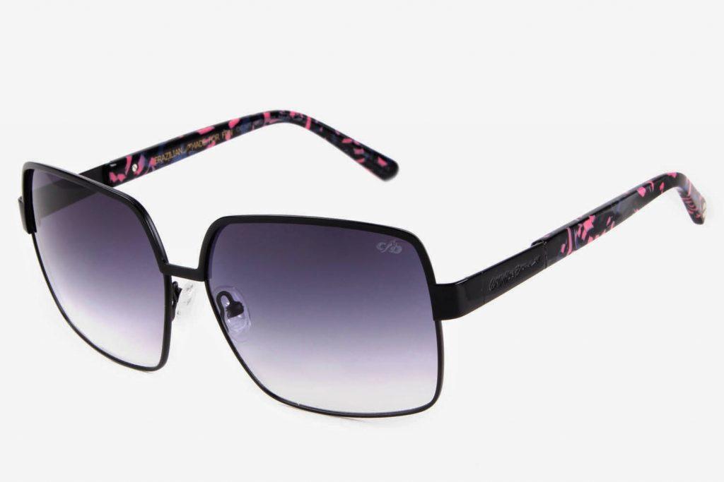 A Chilli Beans apresenta mais uma coleção assinada pelo músico Carlinhos  Brown, os modelos de óculos solares e Vista .Carlinhos Brown é um dos  artistas mais ... a13d5ed391