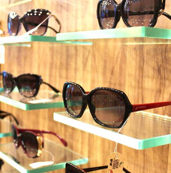 """Ferrovia Eyewear promove ação """"Dia das Mães"""" em lojas de atacado   Blog  Tania Muller bb2b898286"""
